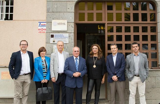 La consejera de Empleo, Cristina Valido visita el Centro de Formación Técnico-Profesional del Metal – Femepa
