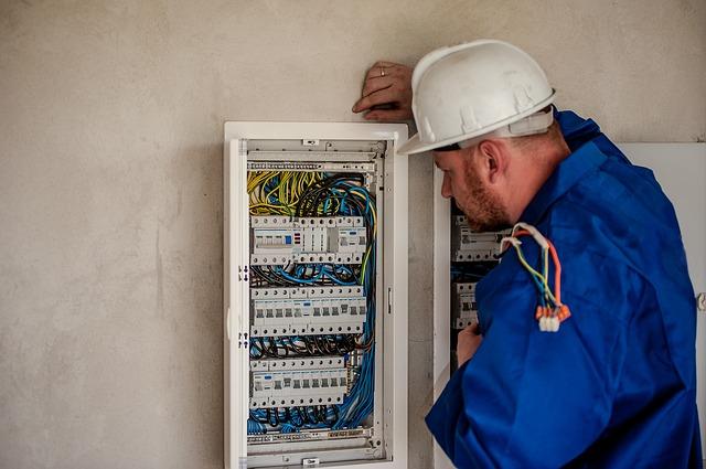 Acreditación de competencias profesionales, adquiridas a través de la experiencia laboral para el Sector Eléctrico y Telecomunicaciones.