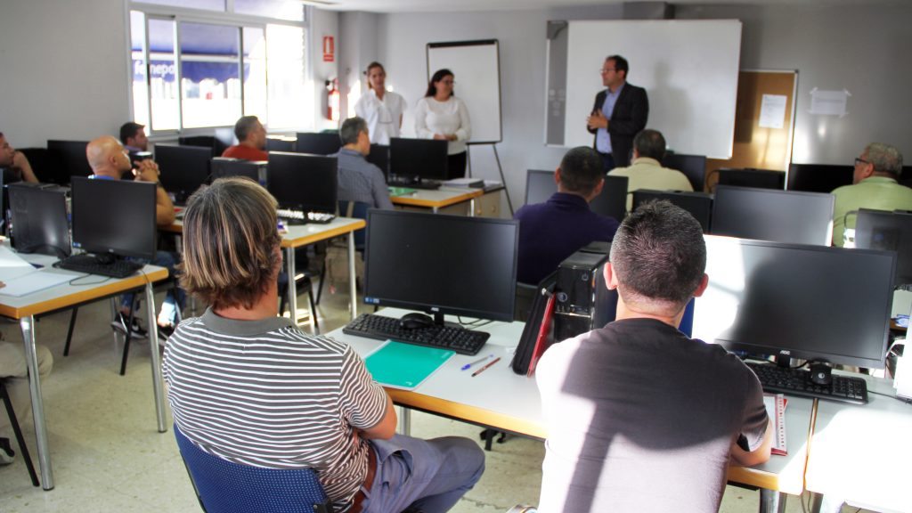 Quince alumnos comienzan a formarse en Femepa como futuros docentes de oficios