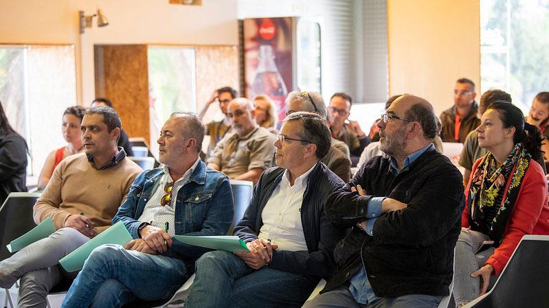 Vicente Marrero muestra su apoyo a los participantes del Hackatón de Femepa